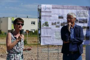 Mme Lebrun, architecte urbaniste de la ZAC expliquant le projet